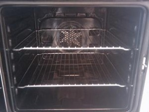 Cleaned sparkely Oven